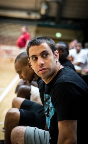 Jon Solomon ist Inhaber der SMAA-Agentur und brachte die Mannschaft nach Deutschland. // Foto: Brandon Harris